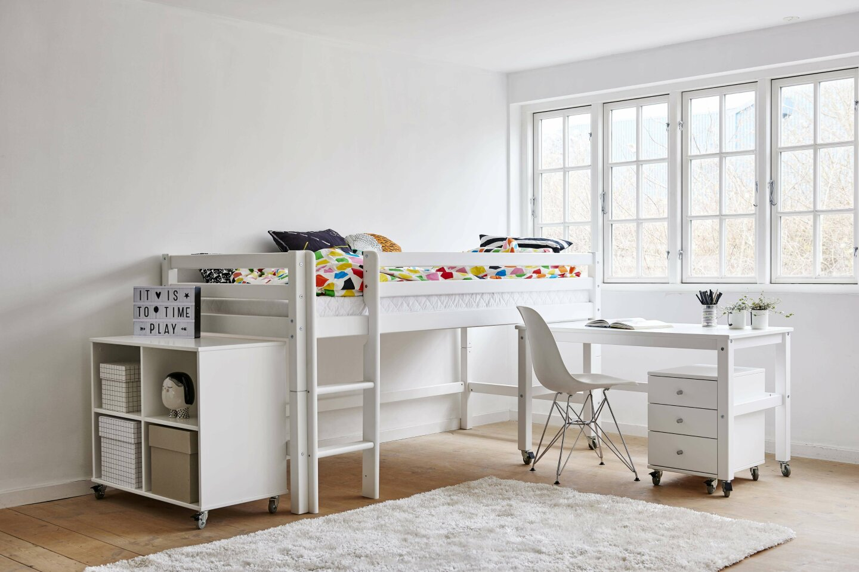 Halvhøj børneseng med skrivebord