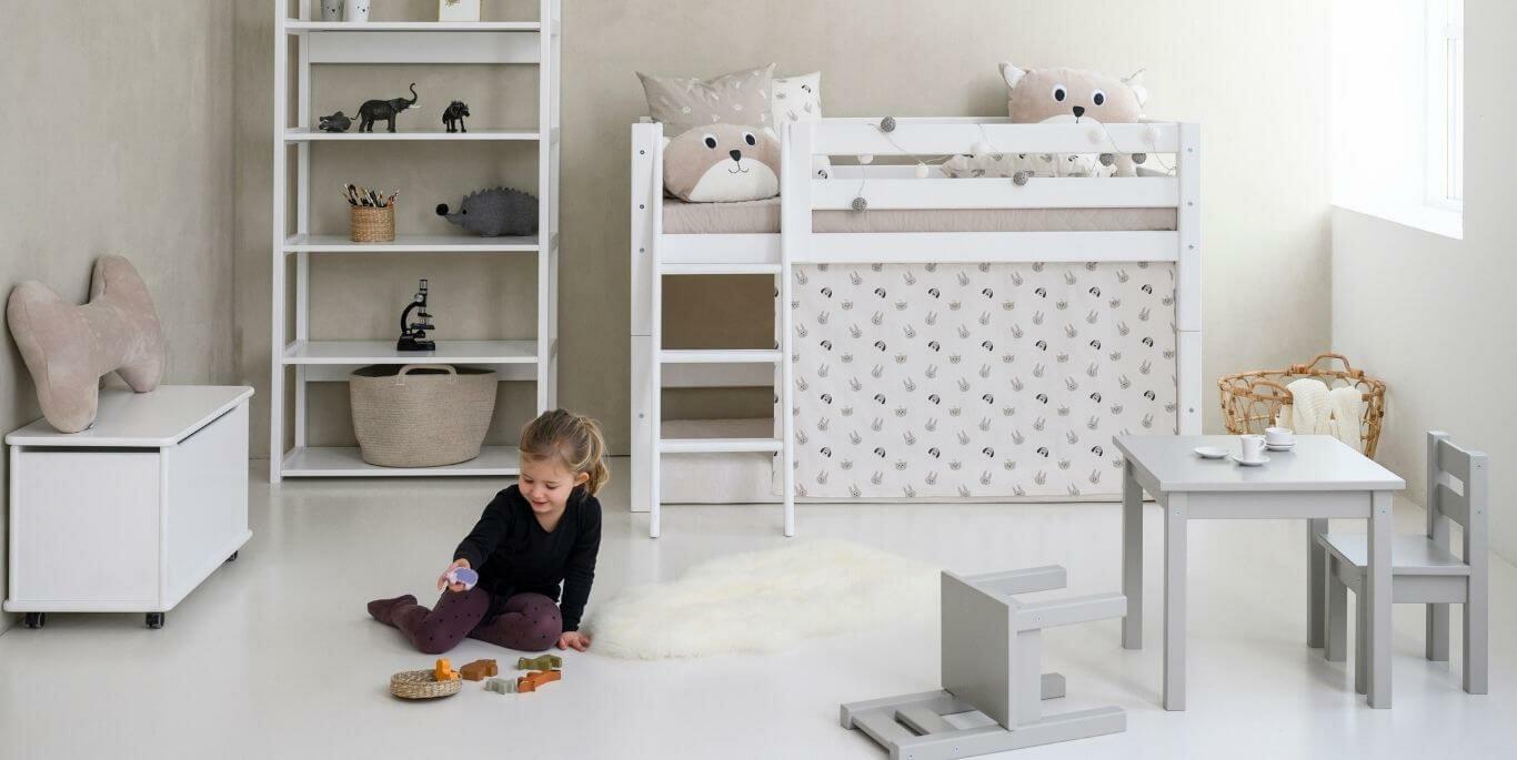 Svanemærket PREMIUM halvhøj seng fra Hoppekids